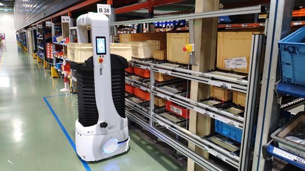 Read more about the article 5 conseils pour faciliter l'acceptation de vos collaborateurs à l'intégration de Robots Mobiles Autonomes